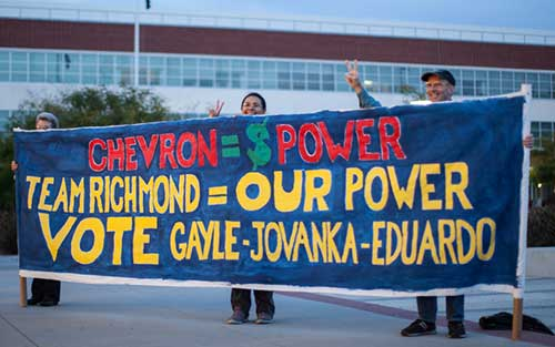 richmond-progressive-alliance-supporters-held-an-anti-chevron-banner-outside-of-the-richmond-memorial-auditorium-photo-by-martin-totland